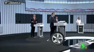 Rajoy escapa sobre ruedas de los reproches de Sánchez sobre empleo basura