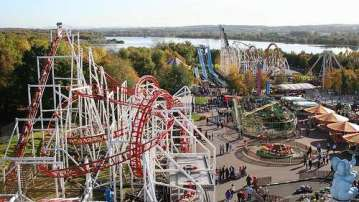 Vista del parque de atracciones M&D en Escocia