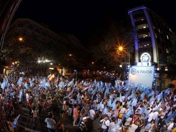 Euforia al grito de 'Sí se puede' en la fiesta de Génova tras la victoria del PP