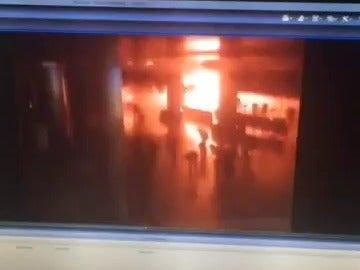 Así ha sido una de las explosiones del atentado terrorista en el aeropuerto de Ataturk, en Estambul