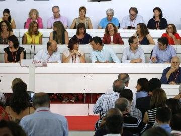 El PSOE busca a contrarreloj cómo escenificar una abstención sin dar una imagen de fractura interna