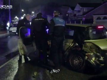 """Una mujer bebida provoca un accidente y chulea al policía: """"Yo no bebo nada, tú puede ser que sí"""""""