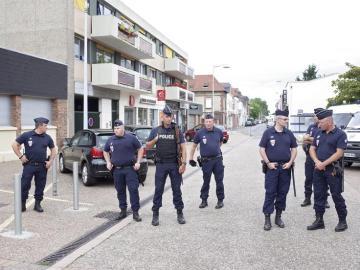 Uno de los terroristas estaba bajo arresto domiciliario y sólo podía salir de 8.30h a 12.30h con brazalete electrónico