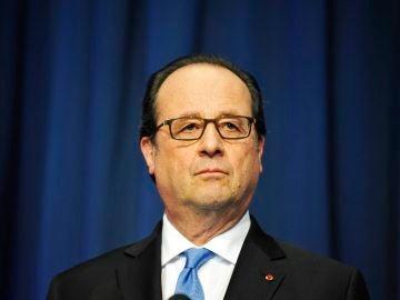 """François Hollande, sobre el ataque en Normandía: """"Nuestra democracia es el objetivo, ella será nuestro escudo"""""""