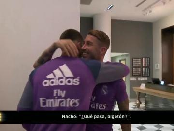El bigote de Ramos, centro de las bromas en su reencuentro con la plantilla del Madrid