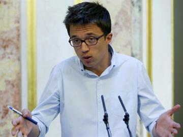 """Errejón: """"Rivera se entrega al PP, pero a Rajoy le siguen sin dar los números, puede haber una posibilidad alternativa"""""""