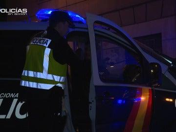 """Policías en Acción detiene una furgoneta con diez personas dentro: """"Van 'enfarlopaos' hasta las trancas"""""""