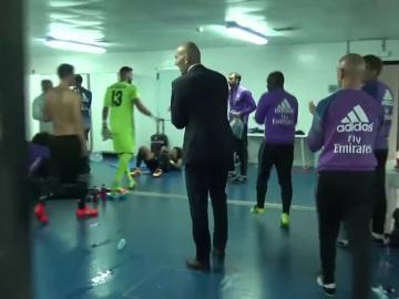 """El Madrid, eufórico en el vestuario tras su victoria en Anoeta: """"¡Bien, equipo!"""""""