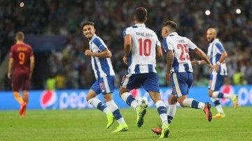 El Oporto golea a la Roma en el Olímpico y jugará la Champions