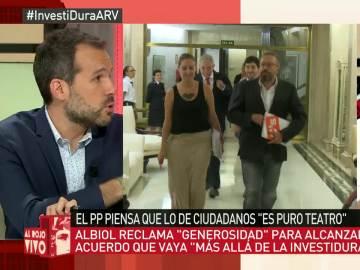 """Javier Gómez: """"Ciudadanos es como el Jim Carrey de la política, sobreactúa en todas las escenas"""""""