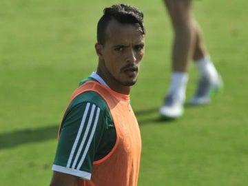 El jugador argelino del Betis, Foued Kadir, denunciado por violencia de género