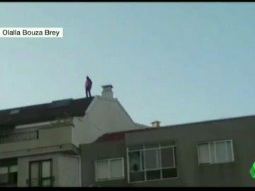 Un fugitivo salta de tejado en tejado para evitar ser arrestado en Vilagarcía de Arousa