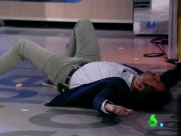 """Frank Blanco termina en el suelo durante el juego de la semana: """"¡Dámelo todo!"""""""