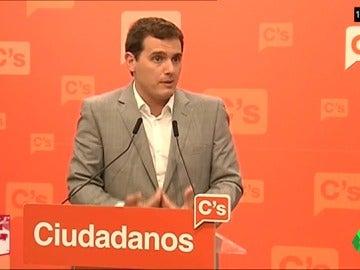 """""""No queremos que Rajoy siga gobernando"""", """"no le vamos a hacer presidente""""… el cambio de Albert Rivera desde el 20D"""