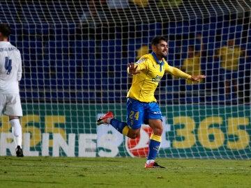 Tana celebra su gol contra el Real Madrid