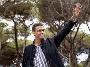 Continúa el descalabro en el PSOE: pierde siete escaños en Euskadi y cinco en Galicia
