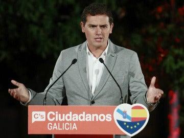 Fracaso de Ciudadanos: queda fuera de los parlamentos de Galicia y Euskadi