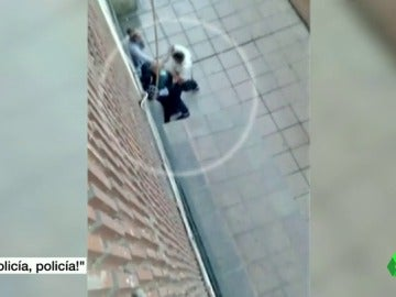 Tres hombres atracan a un anciano a plena luz del día en el barrio madrileño de Villaverde