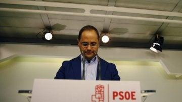 """César Luena: """"El líder del PSOE es su secretario general, que sigue siendo Pedro Sánchez"""""""