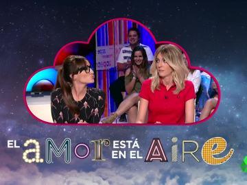 El azar de la Kiss Cam juega a favor de Ana Morgade, ¿se fundirá en un apasionado beso con Anna Simon?
