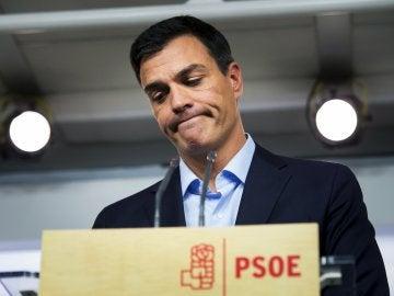 Afines a Pedro Sánchez contemplan la posibilidad de constituir una gestora como única salida