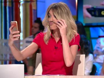 """Anna Simon pillada haciendo un 'Rita Barberá': """"Es muy español estar en el curro y no estar a lo que hay que estar"""""""