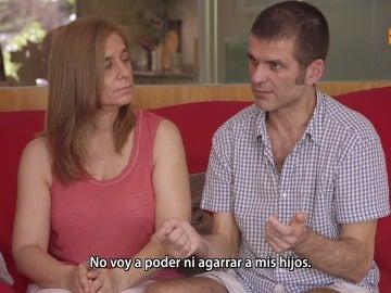 """El testimonio de un paciente de ELA, el domingo en Salvados: """"No voy a   poder ni agarrar a mis hijos, ¿eso es vida?"""""""