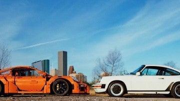 Porsche real y de juguete
