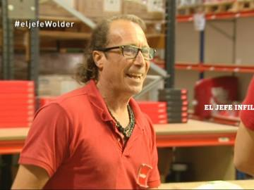 Un empleado de Wolder Electronics