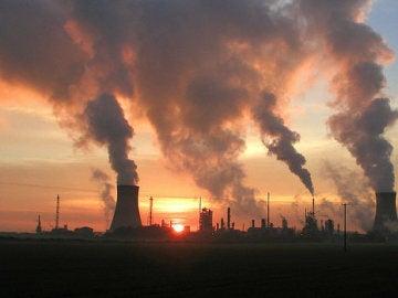 La OMS alerta de que la contaminación causa 12,6 millones de muertes al año