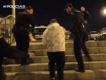 """El hermano del detenido, a la Policía: """"No hacerle daño que está to 'empastillao'"""""""