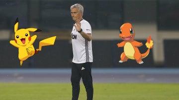 Mourinho prohíbe jugar a Pokémon Go en las concentraciones del United