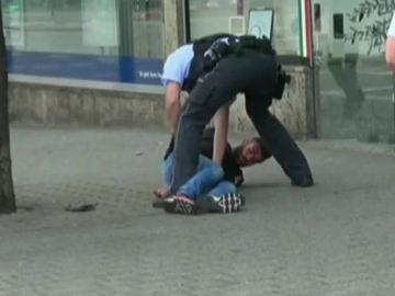Detienen a un refugiado sirio tras matar con un machete a una mujer y herir a dos personas en Alemania
