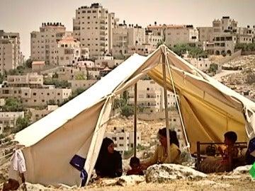 Las enormes colonias judías se imponen a las miserias palestinas: Israel se expande a costa de los beduinos