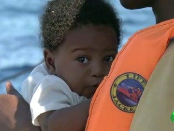 """La ONG Proactiva salva a 3.000 personas frente a las costas de Libia: """"Había mujeres embarazadas, bebés..."""""""