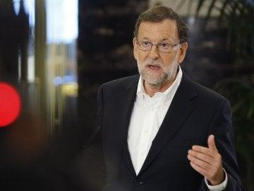 Rajoy esperará a que avance la negociación con C's para llamar a Pedro Sánchez