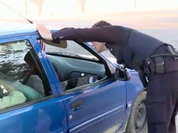 """""""Documentación de los cinco y del vehículo, ¿alguien tiene algo que no deba llevar?"""", este jueves en Policías en Acción"""