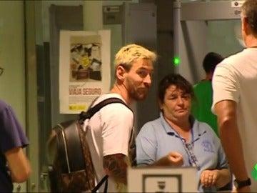 Leo Messi viaja con Argentina pese a sus molestias en el aductor izquierdo