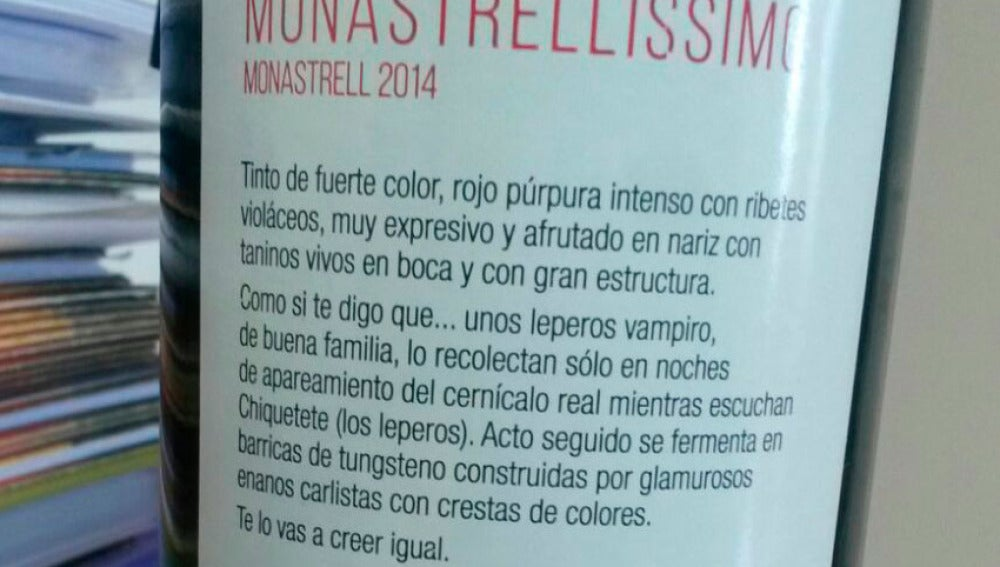 """La etiqueta del vino 'elaborado' por """"leperos vampiro"""""""