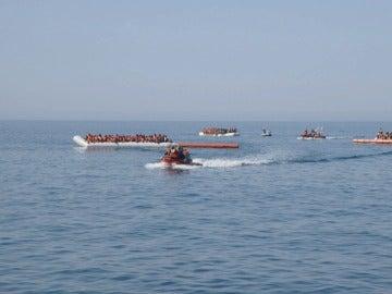 5 de julio de 2016, el día que el Astral salvó la vida de 4.500 refugiados en el mayor rescate de la historia del Mediterráneo