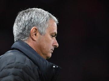 """Mourinho: """"Mi vida es un desastre"""""""