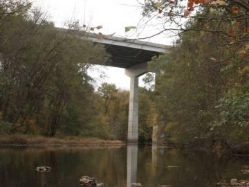 El puente desde el que saltó John Spincken