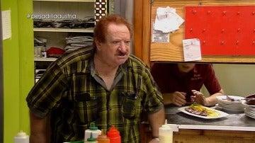 """Estalla la tensión entre Enrique y Mónica: """"¡Hostia, echarle un par de huevos que no soy gilipollas!"""""""