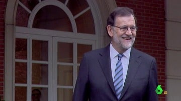 ¿Por qué Mariano Rajoy siempre está tan feliz cuando llega a Moncloa? Descubrimos los motivos