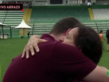 La madre de Danilo acabó consolando a un periodista
