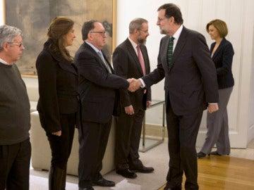 Mariano Rajoy recibe a las familias de las víctimas del Yak-42