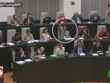 Frame 65.793214 de: José Luis Moreno, único edil del PP que apoya la iniciativa de Ahora Madrid para rechazar el veto migratorio de Trump