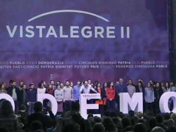 El secretario general de Podemos, Pablo Iglesias (c), acompañado por los miembros del Consejo Ciudano del partido