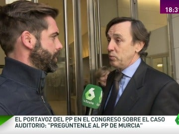 """Frame 57.410837 de: El portavoz del PP en el Congreso, sobre el 'caso Auditorio': """"Pregúntenle al PP de Murcia"""""""