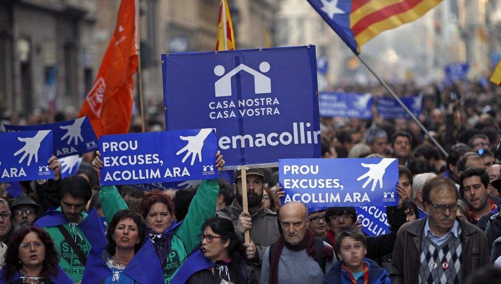 Image result for Manifestación en Barcelona en favor de la acogida de refugiados | Spanish Revolution